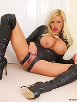 michellethornexxxposed.com starring porn star and glamour model Michelle Thorne in full xxx hardcore videos for the first time, free sample pictures