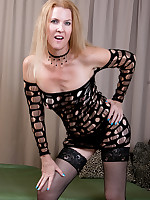 Mature Pictures Featuring 49 Year Old Lacy F From AllOver30
