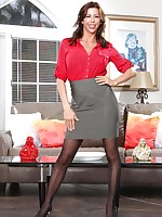 Super-stacked American milf Alexis Fawx gets banged between her stockinged legs